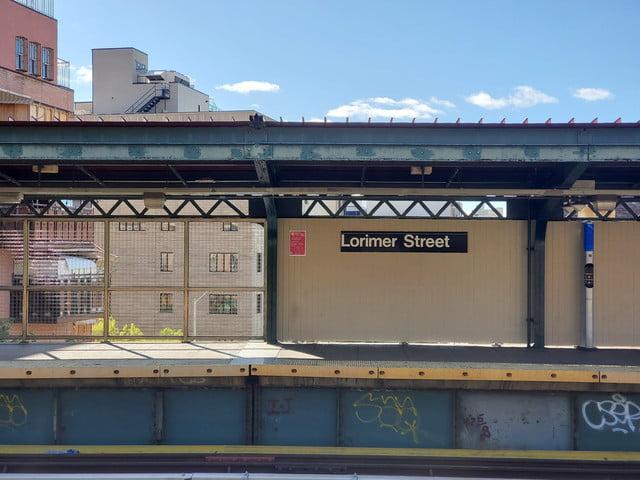 pixel 4 xl 2x telephoto zoom subway station