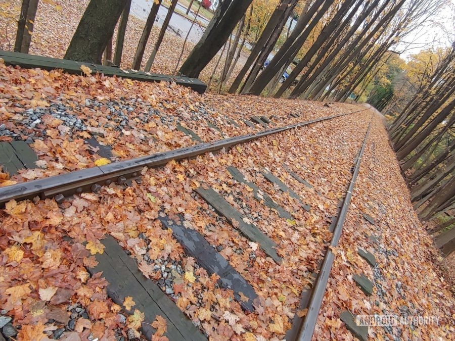 LG G8X ThinQ Review photo sample railroad tracks