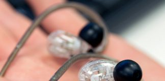 How to clean earbuds, with or without soap