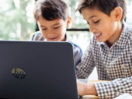 That's rich: Apple VP knocks classroom Chromebooks for being cheap