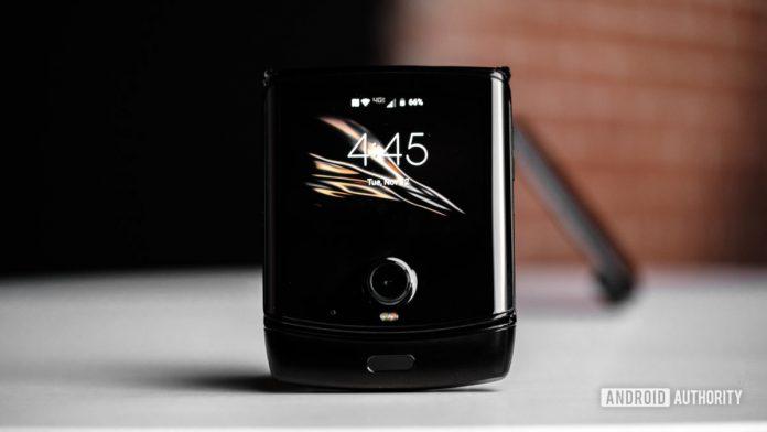 Motorola Razr hands-on: Back in black