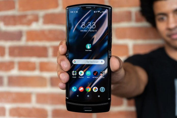 The foldable Motorola Razr makes big phones less of a handful