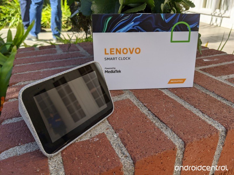 lenovo-smart-clock-powered-by-mediatek.j