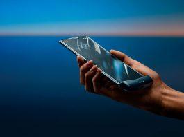 Motorola officially unfolds its reinvented RAZR