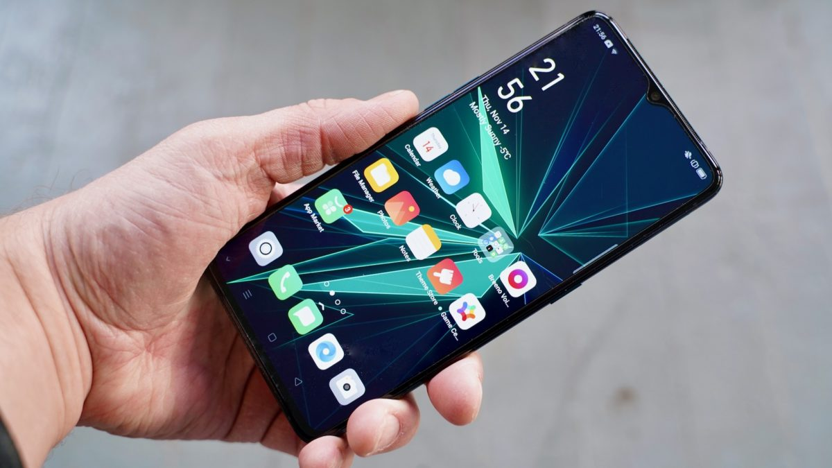 Oppo Reno Ace review in the hand angled view