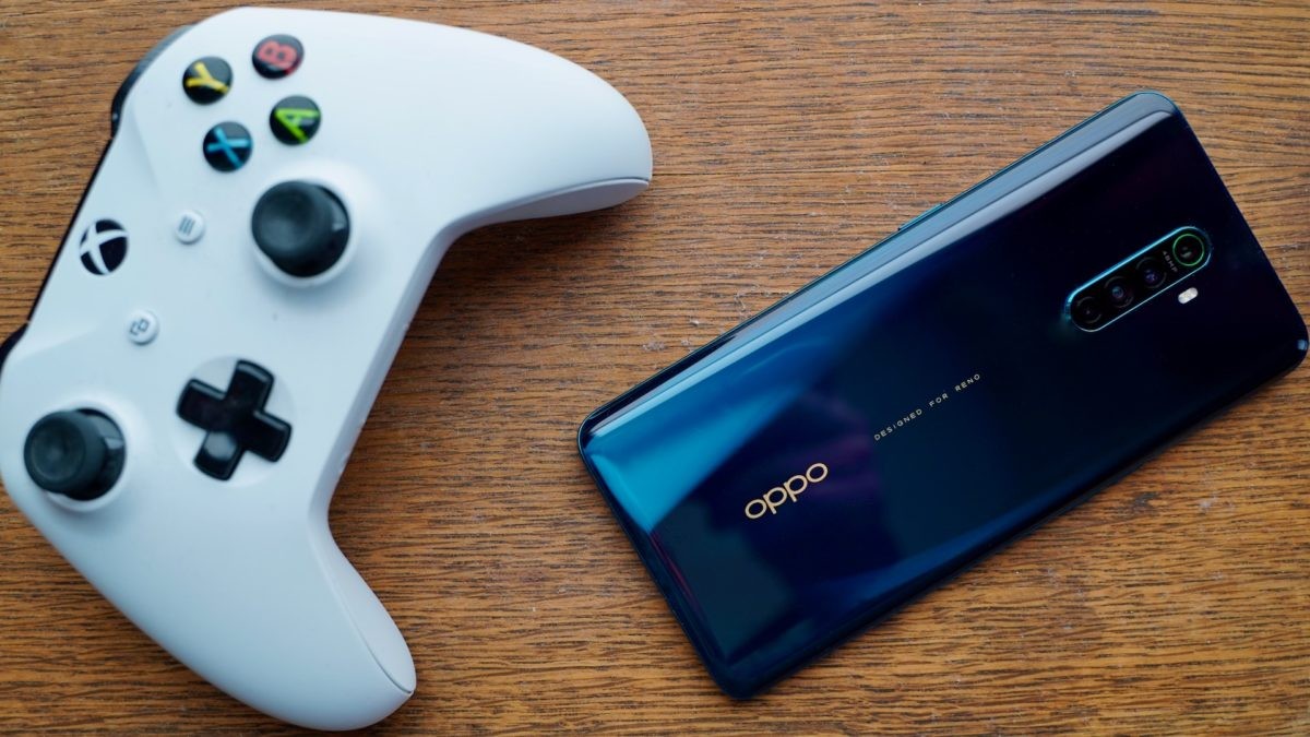 Oppo Reno Ace review rear with gamer controller