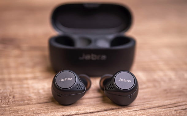 Jabra Elite 75t Review Massive Bass From Tiny Earbuds Aivanet