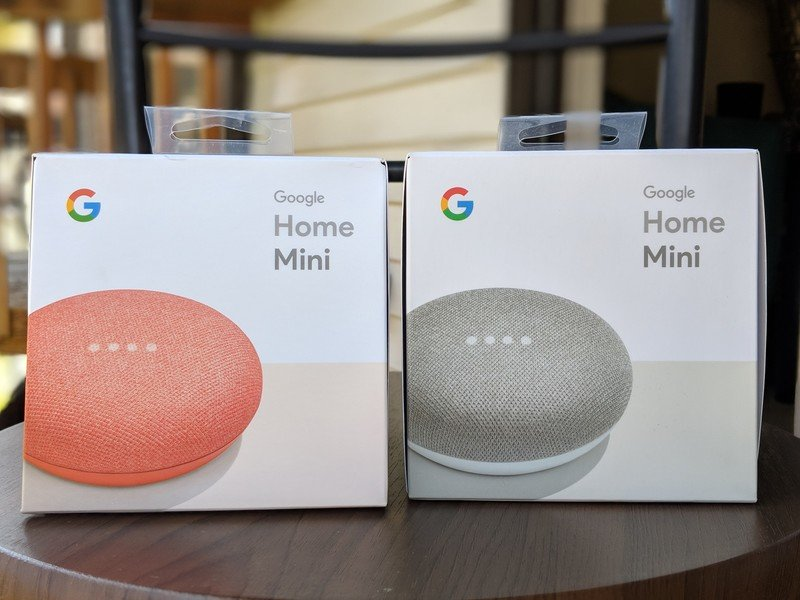 google-home-mini-boxes.jpg?itok=zFl3pggJ