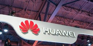A bipartisan block of 15 senators is opposing new trade licenses for Huawei