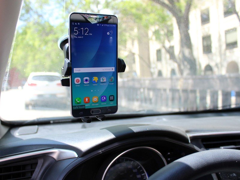 samsung-galaxy-note-5-car-mount.jpg?itok