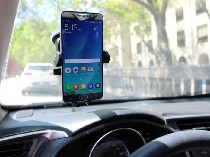 How to use an old phone as a dash cam
