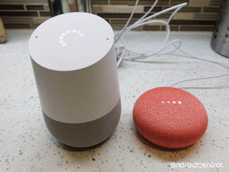 google-home-vs-home-mini-1.jpg?itok=Bl04