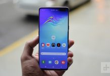 Cyber Monday Lightning Deal: Save $450 on This Samsung Galaxy S10 Bundle
