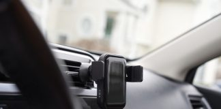 Do you use a phone mount in your car?