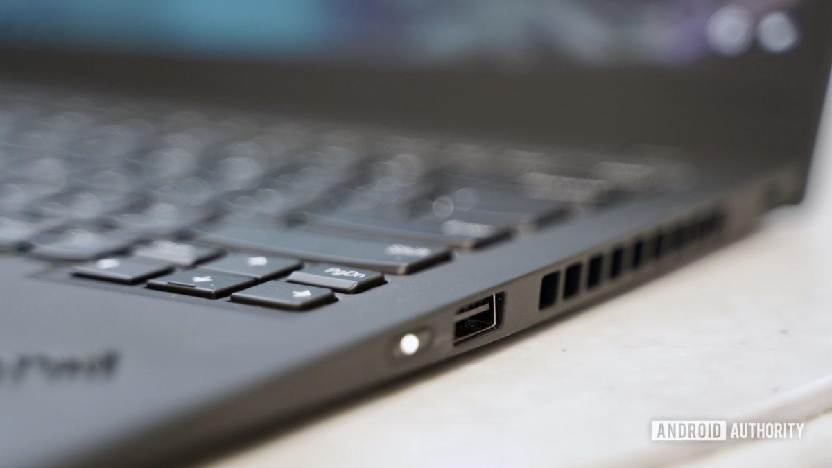 Lenovo ThinkPad X1 Carbon review right ports