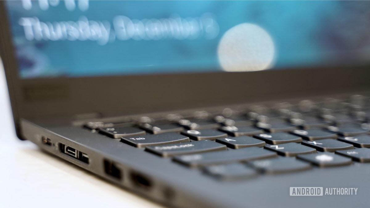 Lenovo ThinkPad X1 Carbon review left ports profile