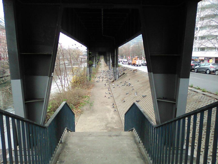 Nokia 800 Tough camera sample bridge