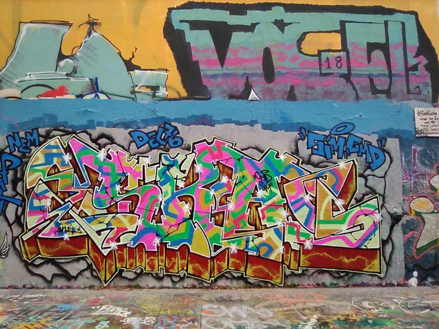 Nokia 800 Tough camera sample grafitti