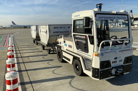 Self-driving baggage tractor is the latest smart tech for airports