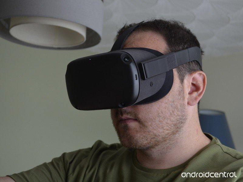 oculus-quest-sean-closeup-2.jpg?itok=ILP