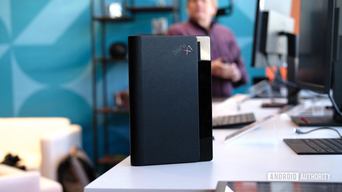 Lenovo Thinkpad X1 Fold folded 1