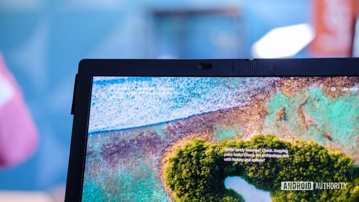 Lenovo Thinkpad X1 Fold camera macro