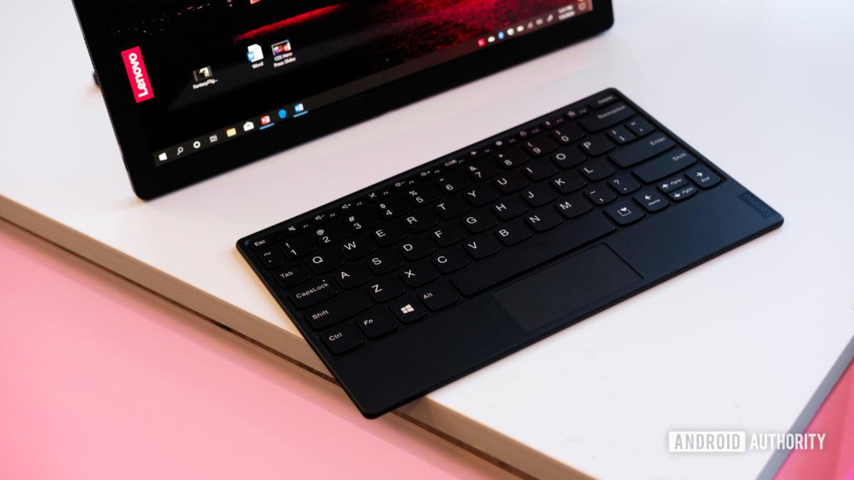 Lenovo Thinkpad X1 Fold keyboard on table
