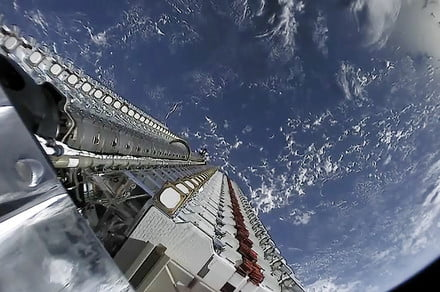 SpaceX launches 60 more Starlink internet satellites amid astronomer concerns