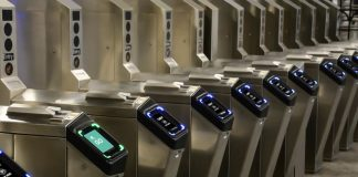 Apple Pay Express Transit Users in NYC Reportedly Being Charged Just for Going Near Tap-and-Pay Readers