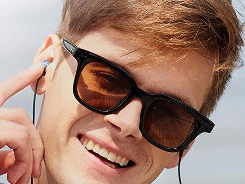 philips-wireless-neckband-earbuds.jpg?it