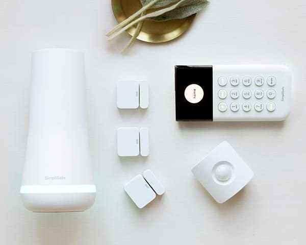 simplisafe-8-piece-system-official-rende