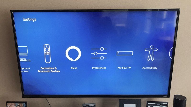 fire-tv-remote-reset-1.jpg?itok=IvvdgGwy