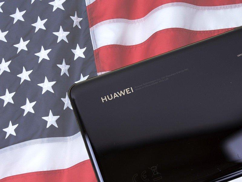 huawei-usa-flag.jpg?itok=KESMgBZ8