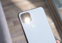 How to enable the flashlight on your Android phone in 2020