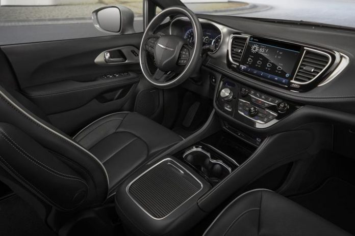 2021 Chrysler Pacifica Features Largest-in-Class 10.1-Inch Touchscreen With Wireless CarPlay