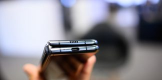Samsung Galaxy Z Flip: 5 things it must do to avoid the Motorola Razr's stumble