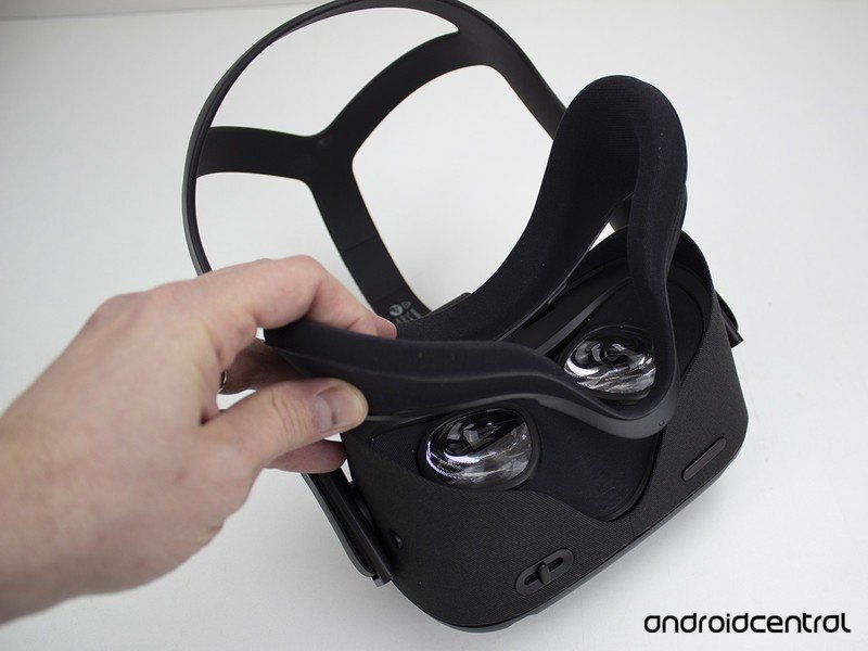 removing-oculus-quest-face-pad.jpg?itok=