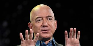 Jeff Bezos sells $4 billion in Amazon stock, and no one knows why