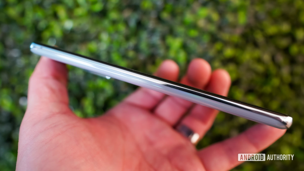 Samsung Galaxy S20 left edge no buttons