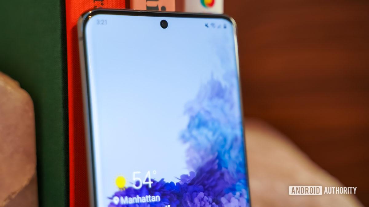 Samsung Galaxy S20 Ultra selfie camera