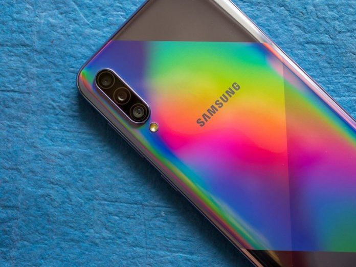 Samsung Galaxy A50s and Galaxy A30 are starting to get Android 10