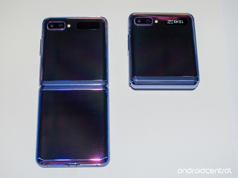 galaxy-z-flip-hands-on-21.jpg?itok=5lRXi