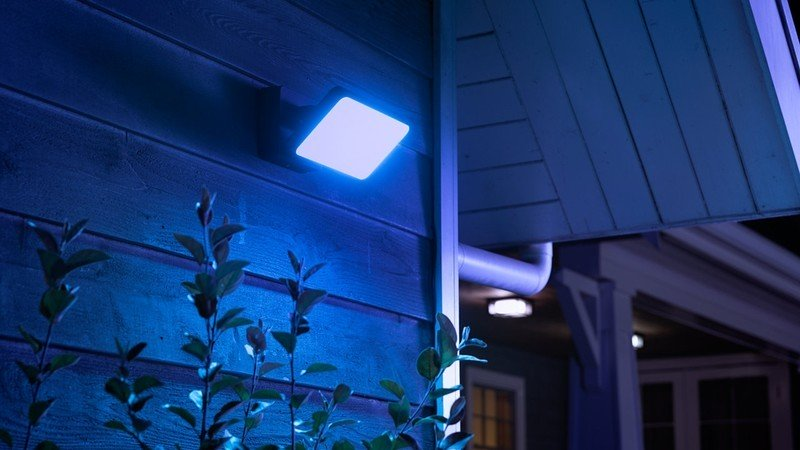 philips-hue-discover-outdoor-floodlight-