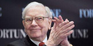 Warren Buffett Sold Off $800 Million of AAPL Stock Last Quarter