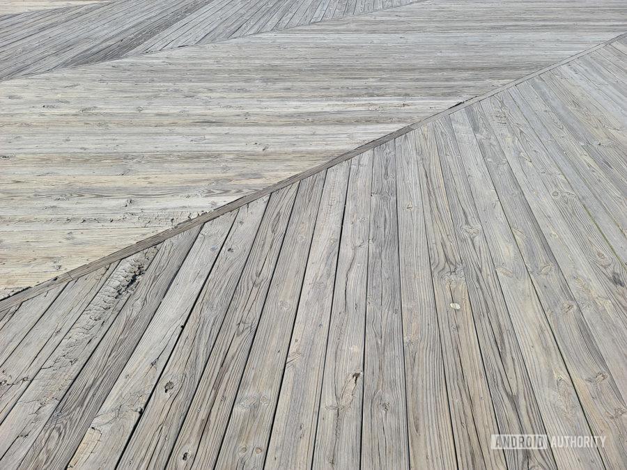 Samsung Galaxy S20 Ultra Photo Sample wood texture