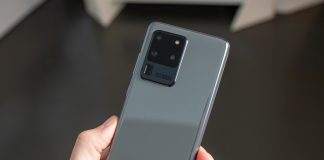 The Galaxy S20 Ultra's first update improves the camera