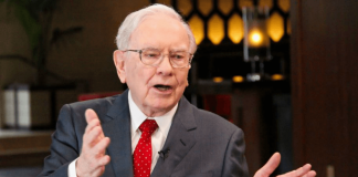 Warren Buffett finally upgrades his $20 flip phone to an iPhone