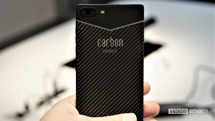 Phones are getting too heavy: this carbon-fiber phone offers an alternative