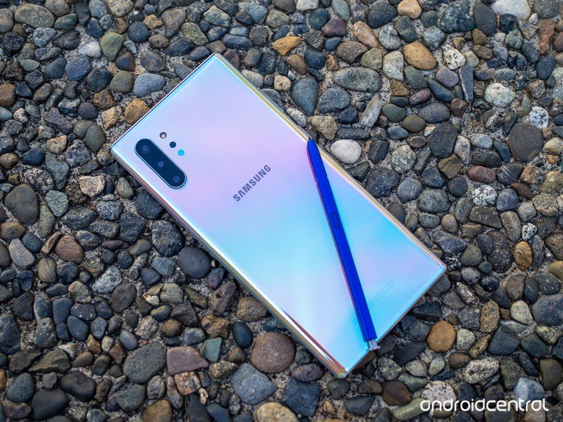 galaxy-note-10-plus-aura-glow-with-s-pen