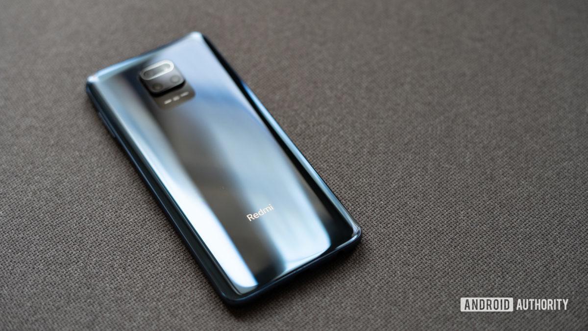 Redmi Note 9 Pro focus on logo